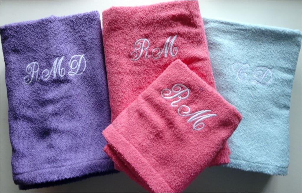toalhas-com-monogramas-rosicler-1024x656